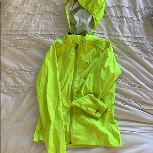 Water Resistant Cycling/Running Barrier Jacket